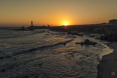 Pigeon Point at Sunset (lycheng99) Tags: pigeonpointlighthouse pigeonpoint sunset sun bright sky color goldenmoment waves beach pacificcoast pacificocean pascadero california californiacoast landscape nature dusk