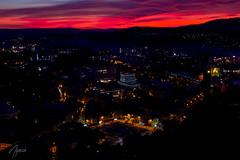 Kulmbach - Stadtblick bei Nacht (netcrushdesign) Tags: kulmbach nacht sonnenuntergang rot zentralparkplatz