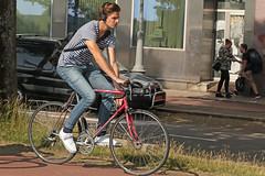 Weesperzijde - Amsterdam (Netherlands) (Meteorry) Tags: europe nederland netherlands holland paysbas noordholland amsterdam amsterdampeople candid streetscene people oost east est watergraafsmeer weesperzijde bicycle bicyclette cyclist bike vélo homme guy male boy twink city urban earphones herrie jeans dutch racebike june 2018 meteorry