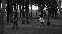 Siguendo los pasos de papá.   · · · · · · · · · · #fotografia #photography #foto #photo #photographer #love #photooftheday #streetphotography #fotografias #instagood #picoftheday #fotografía #fotografiando #canon #fotos #fotografo #instagram #photos #trav (fabiogutierrezph) Tags: canon fotografiaurbana instagram fotografía fotografiaunited fotografo fotografiadefamilia fotografiainfantil travel fotografiaitaliana photography photooftheday love fotografiar nature fotografias photographer nikon fotos fotografiacallejera instagood streetphotography fotografia pic photo fotografiando photos picoftheday photoshoot foto