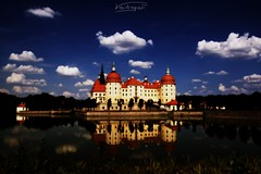 Moritzburg castle - Saxony, Germany (Veitinger) Tags: moritzburg schlos castle märchenschlos see lake wasser water wolken clouds gebäude building reflektion reflektionen reflection reflections spiegelung spiegelungen tamron tamron16300 sony veitinger landschaft landscape sachsen saxony germany deutschland