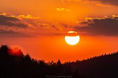 Dilsberg July Sunset - 2018 V (boettcher.photography) Tags: july juli sashahasha boettcherphotography boettcherphotos germany deutschland badenwürttemberg sommer summer sky neckargemünd dilsberg rheinneckarkreis himmel sonne sun clouds wolken sonnenuntergang sunset horizon horizont