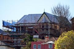800_5350 (Lox Pix) Tags: australia architecture queensland qld brisbane brisbaneriver house building loxpix landscape hamilton ascot newstead bulimba albion crane