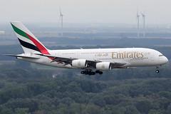 Emirates Airbus 380-861 A6-EEH (c/n 119) (Manfred Saitz) Tags: vienna airport schwechat vie loww flughafen wien emirates airbus 380 a380 a388 a6eeh a6reg