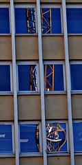 9 - Metz, Rue aux arènes (melina1965) Tags: lorraine moselle metz grandest septembre september 2018 nikon d80 ciel sky nuage nuages cloud clouds façade façades reflet reflets reflection reflections grue grues crane cranes