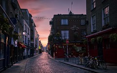 Night endlessly begins and ends (Jim Nix / Nomadic Pursuits) Tags: jimnix nomadicpursuits photography travel dublin ireland europe hdr aurorahdr2019 highdynamicrange streetscene sunrise templebar templebardistrict olympus olympusomdem1