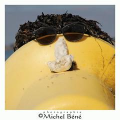 sur la plage (gimi.bene) Tags: insolite borddemer portrait art artistique vacances canoneos dreams extérieur eau mer