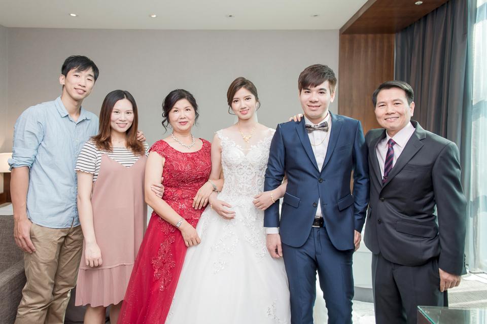高雄婚攝 海中鮮婚宴會館 有正妹新娘快來看呦 C & S 051