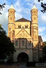 Köln - St. Pantaleon 01 (Arnim Schulz) Tags: romanik romanisch románico romanesque kirche church iglesia église esglesia altstadt building kunst art arte deutschland germany alemania allemagne germania