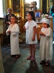 Крещение детей из приюта в Троицком храме деревни Павлино