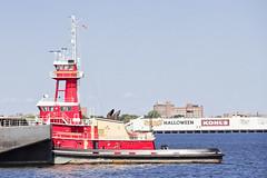 r_180824324_beat0070_a (Mitch Waxman) Tags: brooklyn gerritsenbay newyorkcity tugboat newyork