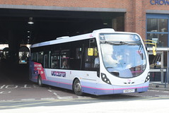 FW 47519 @ Worcester Crowngate bus station (ianjpoole) Tags: first worcestershire wright streetlite max df sn64cfy 47519 working route 52 worcester crowngate bus station evesham