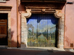 Roussillon, Provence (cosbrandt) Tags: gfx50s gf3264mm provence vaucluse door painting