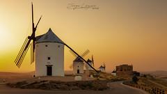 Consuegra (www.jorgelazaro.es) Tags: castillo luz paisaje sunset consuegra toledo quijote molinos sol atardecer castillalamancha pueblo