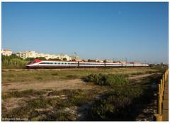 São Félix 20-08-18 (P.Soares) Tags: cp alfapendular comboio comboios trains train linha linhadonorte passageiros automotora 4000 4001