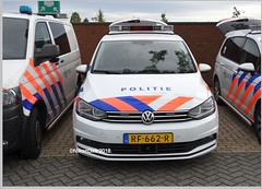 Dutch VW K-9 Midden NL. (NikonDirk) Tags: police politie mercedes benz vito dog k9 nikondirk dutch nederland netherlands utrecht holland nikon cop cops hulpverlening canine honden brigade midden volkswagen touran vw hondenbrigade foto 21bzdx 00gxh3 25txs2 rf662r section dogsection support unit