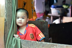 boy in a doorway (the foreign photographer - ฝรั่งถ่) Tags: boy child toddler doorway khlong thanon portraits bangkhen bangkok thailand nikon d3200