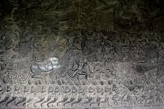 Angkor Wat: bas-reliefs (Яeиée) Tags: angkorvat angkorthom sanctuaire cambodge asie temples preahkhan taprohm siemreap baphuon bayon angkor khmer architecture patrimoines angkorlamerveilleuse banteaysrei bouddhisme hindouisme fromager takeo phimeanakas banian