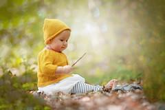 Un petit Lutin des bois ! (florence.richerataux) Tags: bébé bois sigma300mmf4 forêt enfant nikon d700 baguette magique
