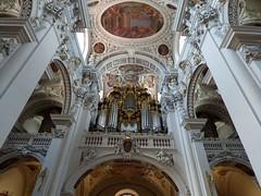 Kirchenorgel im Dom St. Stephan / Church organ in St. Stephen's Cathedral (ursula.valtiner) Tags: stuck stucco orgel organ kirchenorgel churchorgan orgelpfeifen organpipes domststephan ststephenscathedral passau bayern bavaria deutschland germany