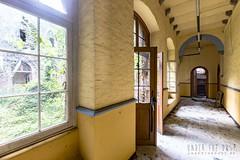 carmel de la réparation-0135 (Under The Dust) Tags: urbex couvent convent carmel abandonne religious