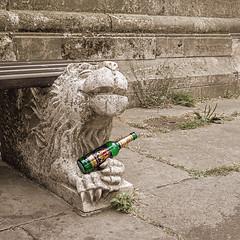 good hop always makes one smile... (Soenke HH) Tags: art lion beer moment fun dom braunschweig dome sculpture colorkey bw smile bank rest sit sitzbank spas lächlen grinsen löwe skulptur kunst grün green olympus stylus1 stein geschichte