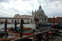 Venezia (marco.roncoroni.co) Tags: venezia sky barca cielo edificio chiesa mare acqua città sole nuvole colori
