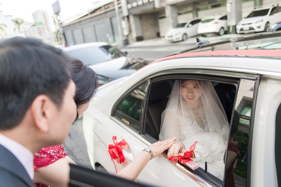 高雄婚攝 海中鮮婚宴會館 有正妹新娘快來看呦 C & S 070