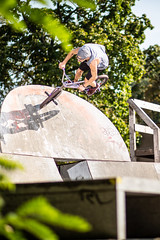 "Markus ""Maggi"" Lange (MichaelBmxking) Tags: canon 85mm 5dmk3 5dmkiii elinchrom elb 400 elb400 skyport hs flash berlin germany abandoned place ruin burned down bmx maggi tricks outdoor outdoors concrete grafitti sports youth fun sun summer summertime jam jamming joy köpenick mellowpark alte försterei union park skatepark wasteland autumbikes summervibes bmxlife"