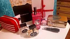 (Gabriela Andrea Silva Hormazabal) Tags: makeup maquillaje luxury brand givenchy dior lancome perfume perfumes parfun france chile clarins jimmychoo channel guerlain äntonio banderas secret cofre lujo