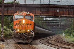 BNSF GE ES44C4 #6899 @ Langhorne, PA (Darryl Rule's Photography) Tags: bnsf buckscounty csx csxt diesel diesels eastbound empties empty freight freightcar freighttrain freighttrains ge k141 k14101 langhorne mixedfreight oil oiltrain oiltrains pa pennsylvania q410 q41001 sun sunny trentonsub woodbourne