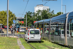 07-Tram hors des rails (Alain COSTE) Tags: talence gironde france fr