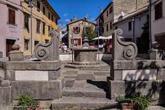 Stari grad Buzet - bunar na velome trgu (MountMan Photo) Tags: buzet istra croatia cityscape trg starigrad oldtown brežuljak hilltop bunar kamen well stone