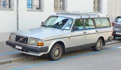 Volvo 240 Wagon in Zürich 7.7.2018 2274 (orangevolvobusdriver4u) Tags: 2018 archiv2018 schweiz suisse switzerland zurich zürich car auto volvo240 volvo 240 kombi estate wagon
