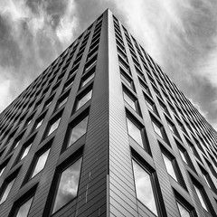 Thames Tower (jameslf) Tags: berkshire buildings city people reading street town