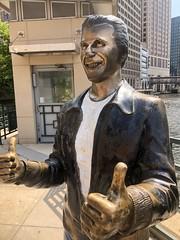 Aaaaaaaayyyyyy !!!!!!!!! (Hazboy) Tags: hazboy hazboy1 statue fonz fonzie bronz bronze milwaukee riverwalk wisconsin august 2018 river