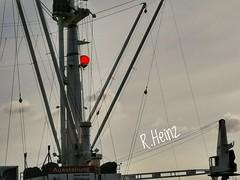 Heißluftballon hinter der Cap San Diego (rollirob) Tags: hamburg hafen frachter historisch elbe honor9