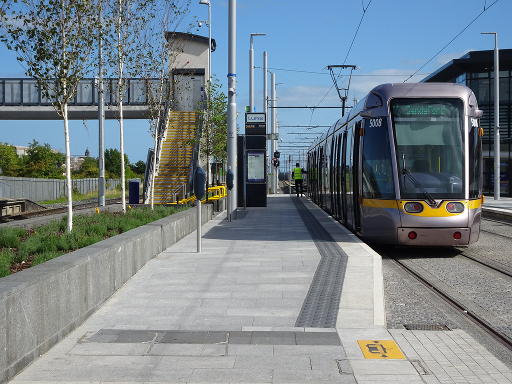 AT LONG LAST THEY HAVE INTEGRATED BROOMBRIDGE TRAM STOP WITH THE TRAIN STATION [PHOTO DIARY 3 SEPTEMBER 2018]-143857