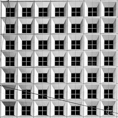 So many squares 🤔 (Julien CHARLES photography) Tags: europe france ladefense ladéfense ladefensedistrict paris archi architecture fineart geometric geometrique grandearche minimal minimalism minimalist symetric symetrie windows