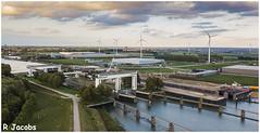 Beatrix Sluizen (René Jacobs) Tags: renejacobs rene dji mavic djimavic drone beatrixsluizen holland nederland bouwput bouwen amsterdamrijnkanaal lekdijk luchtfoto windmolen scheepvaart kolk