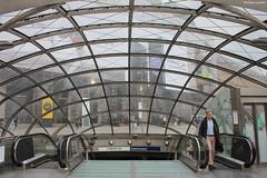 Paris : entrée du métro Saint-Lazare (philippeguillot21) Tags: paris métro entrée saintlazare escalator escalier verrière france europe capitale pixelistes homme man passant voyageur canon