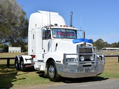 Anteater Kenworth (quarterdeck888) Tags: trucks photos truckphotos australiantrucks outbacktrucks workingtrucks primemover class8 overtheroad interstate frosty quarterdeck jerilderietrucks jerilderietruckphotos flickr bdoubles lorry bigrig highwaytrucks interstatetrucks nikon truck kenworth kenworthclassic kk kenworthclassic2018 truckshow truckdisplay workingclasstrucks noprizes t600 anteater kenwortht600