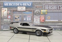 1972 Ford Mustang (Auto World 1/64) (PAcarhauler) Tags: model ford pontiac scalemodel truck