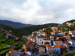 Sobral de São Miguel (António José Rocha) Tags: portugal sobraldesãomiguel aldeia aldeiaserrana verde cores natureza torreseólicas floresta paisagem casas igreja sobreiro