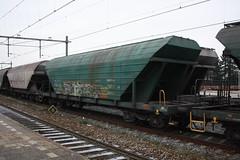 33 56 9335 063-9 - loko trans slovakia - o - 161209 (.Nivek.) Tags: gutenwagen gutenwagens guten wagen wagens goederen goederenwagen goederenwagens uic type u