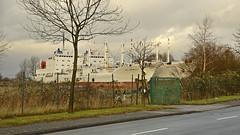 Parking for discarded cargo ships (Manfred_H.) Tags: vehicles fahrzeuge wasserfahrzeuge watervehicles ships vessel schiff frachter freighter parkplatz parking