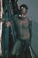 visser008b (Stichting Papua Erfgoed) Tags: casuarinekust asmat willemvisser stichtingpapuaerfgoed papuaheritagefoundation papua irianjaya voormalignederlandsnieuwguinea nederlandsnieuwguinea irianbarat anthonyvankampen