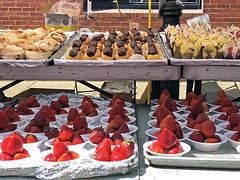 St Anthony's Feast (24) (AntyDiluvian) Tags: boston massachusetts northend feast festival stanthonysfeast endicottstreet street pastry strawberries dessert eclair
