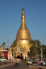 Bago - Shwemawdaw Pagoda (Rolandito.) Tags: south east asia southeast myanmar burma birma birmanie birmania pegu bago pagoda gold golden stupa shwemawdaw