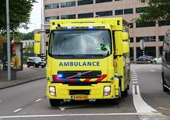 Dutch ambulance (MICU) Volvo FL (Dutch emergency photos) Tags: ambu ambulance ambulans ambulanz voertuig vehicle nederland nederlands nederlandse netherlands dutch 999 911 112 emergency